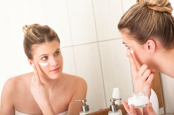 Mách chị em cách chăm sóc da vào ban đêm an toàn hiệu quả