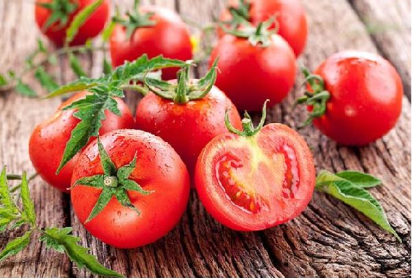 Cà chua bí quyết vàng làm đẹp của chị em phụ nữ