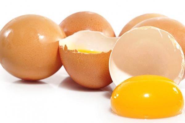 Làm đẹp da mặt giản đơn tại nhà bằng trứng gà