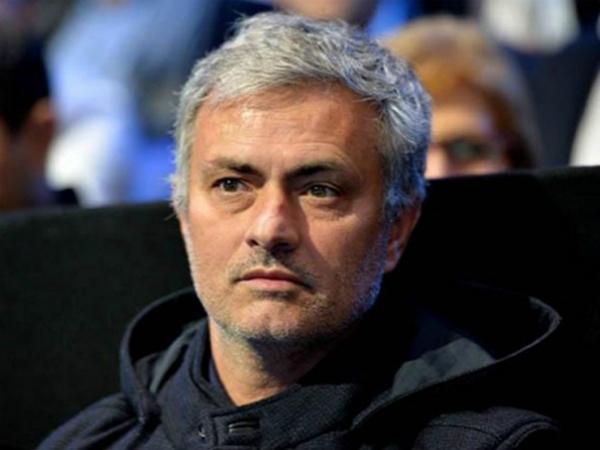 HLV Mourinho bóng gió khả năng trở lại Real Madrid