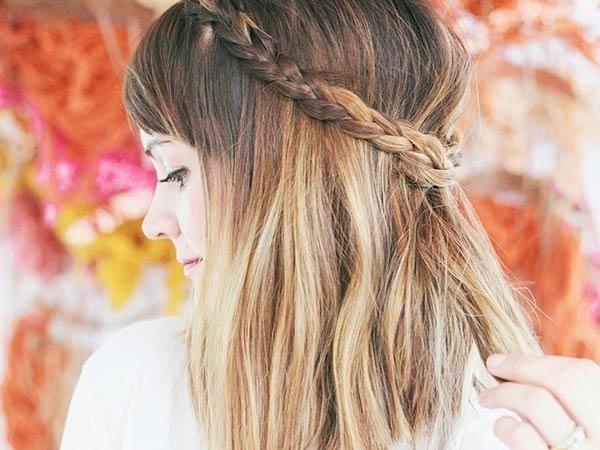 Tết tóc ngắn kiểu vòng sau đầu dễ thương