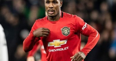 Tin bóng đá tối 26/5: M.U được khuyên mua đứt Ighalo