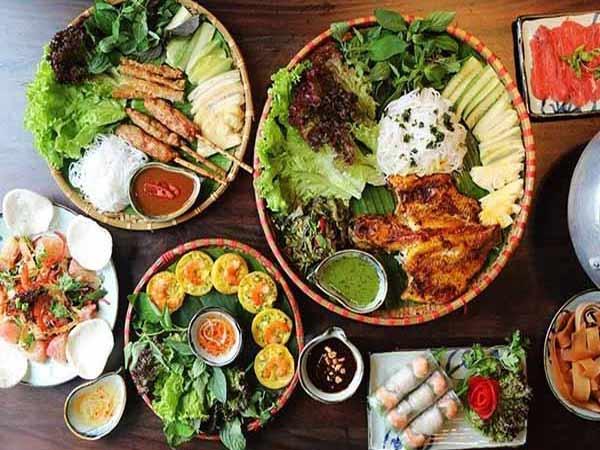 H3: Một số món ăn Việt Nam