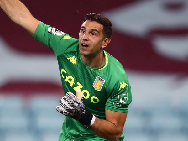 Tin bóng đá Asernal 10/11: Martinez mất kiên nhẫn, nhắn tin cầu xin ra đi
