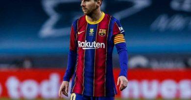 Tin bóng đá 20/1: Messi nhận án phạt vì hành vi đánh nguội