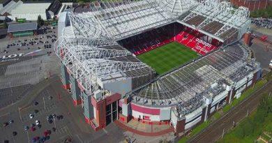 Old Trafford - sân nhà của câu lạc bộ bóng đá Manchester United