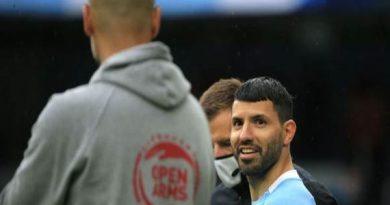 Tin tối 25/5: HLV Guardiola tiết lộ khả năng dùng Aguero ở CK C1